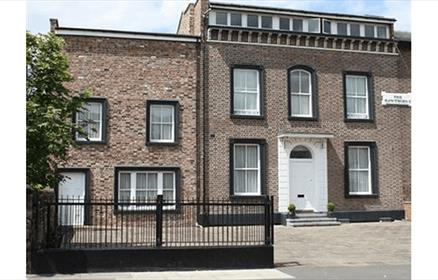 The Breeze Hotel is a luxury townhouse hotel in Bootle