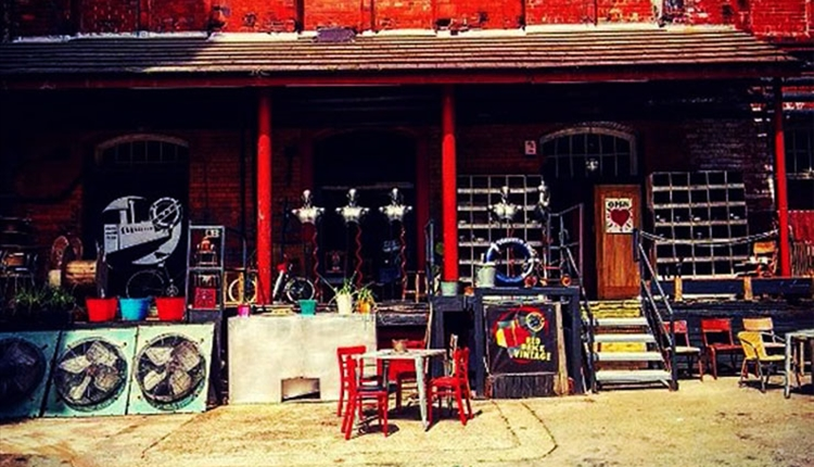 Red Brick Vintage - shopping with a twist