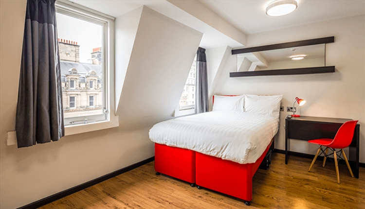 Tune Hotel Liverpool offers affordable accommodation without compromising services