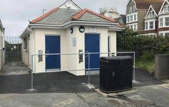 Narrowcliff Public Toilets