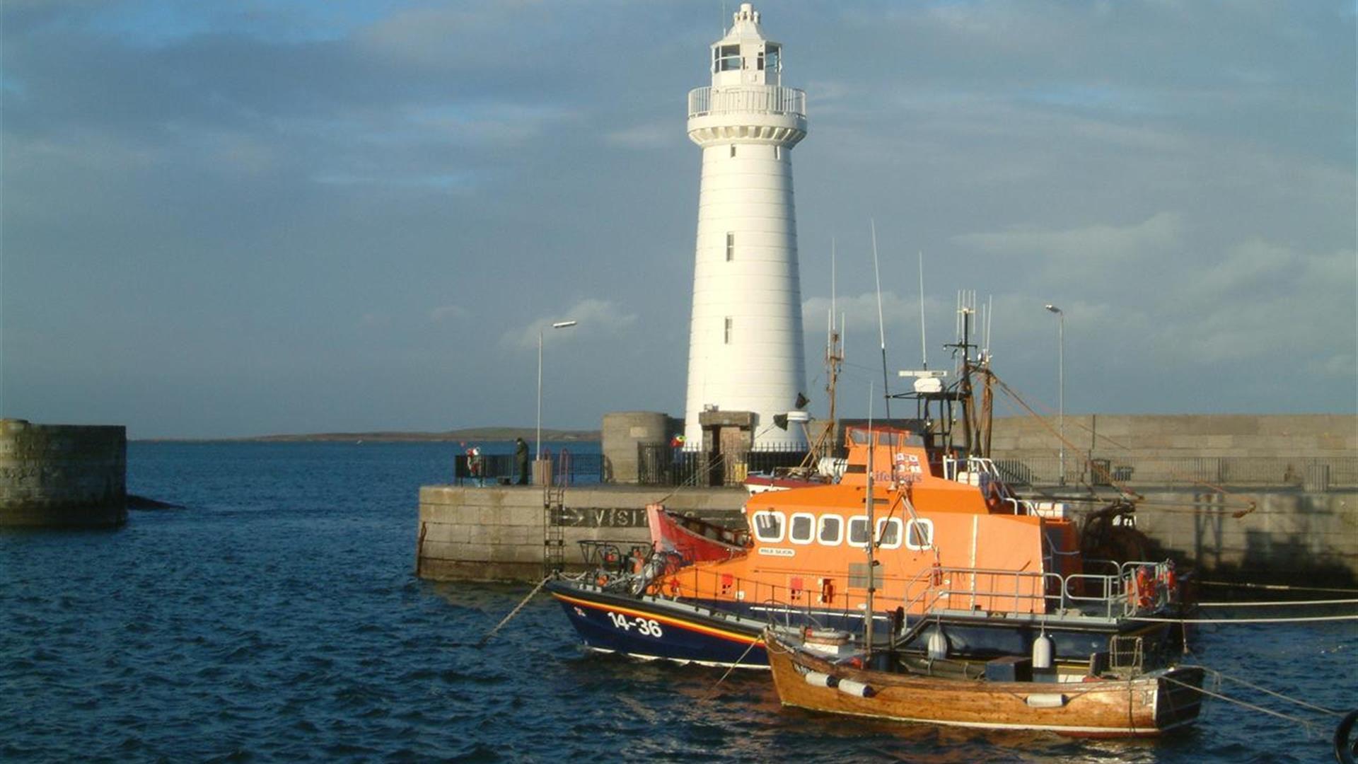 Donaghadee - Harbour & Lighthouse
