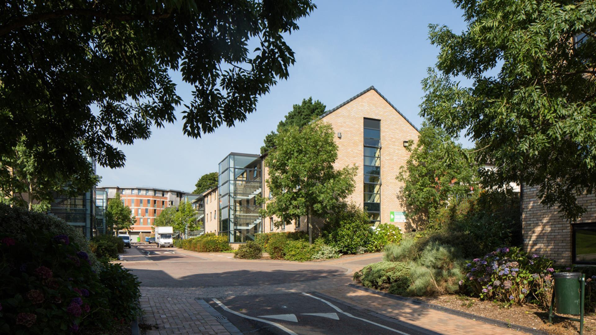 Queen's University Elms BT9