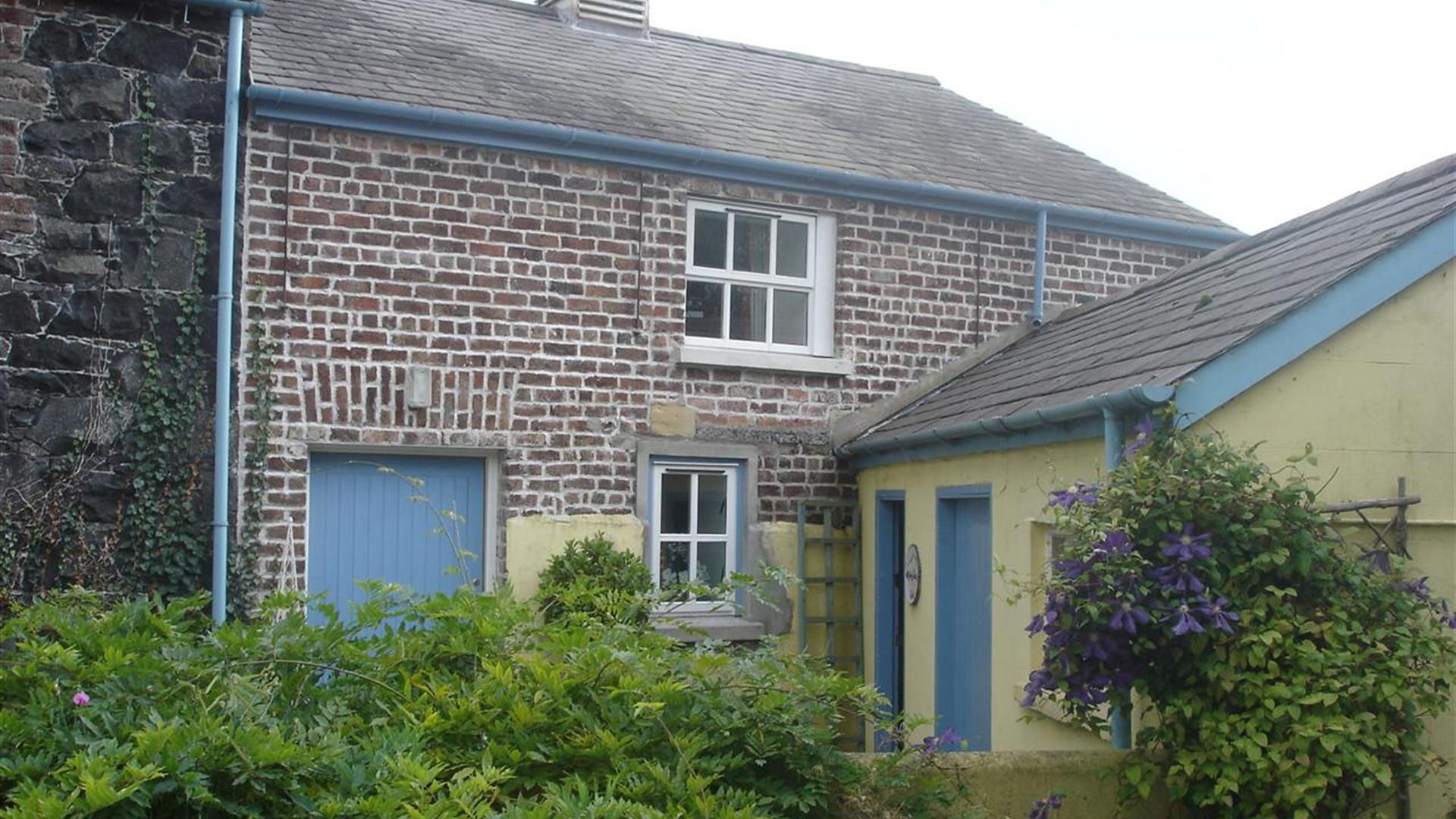 Ballydougan Pottery Courtyard Cottages - Dobsons Corner