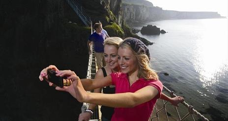 Giant's Causeway and Antrim Coast Tour