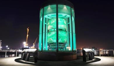 The Great Light & Titanic Walkway