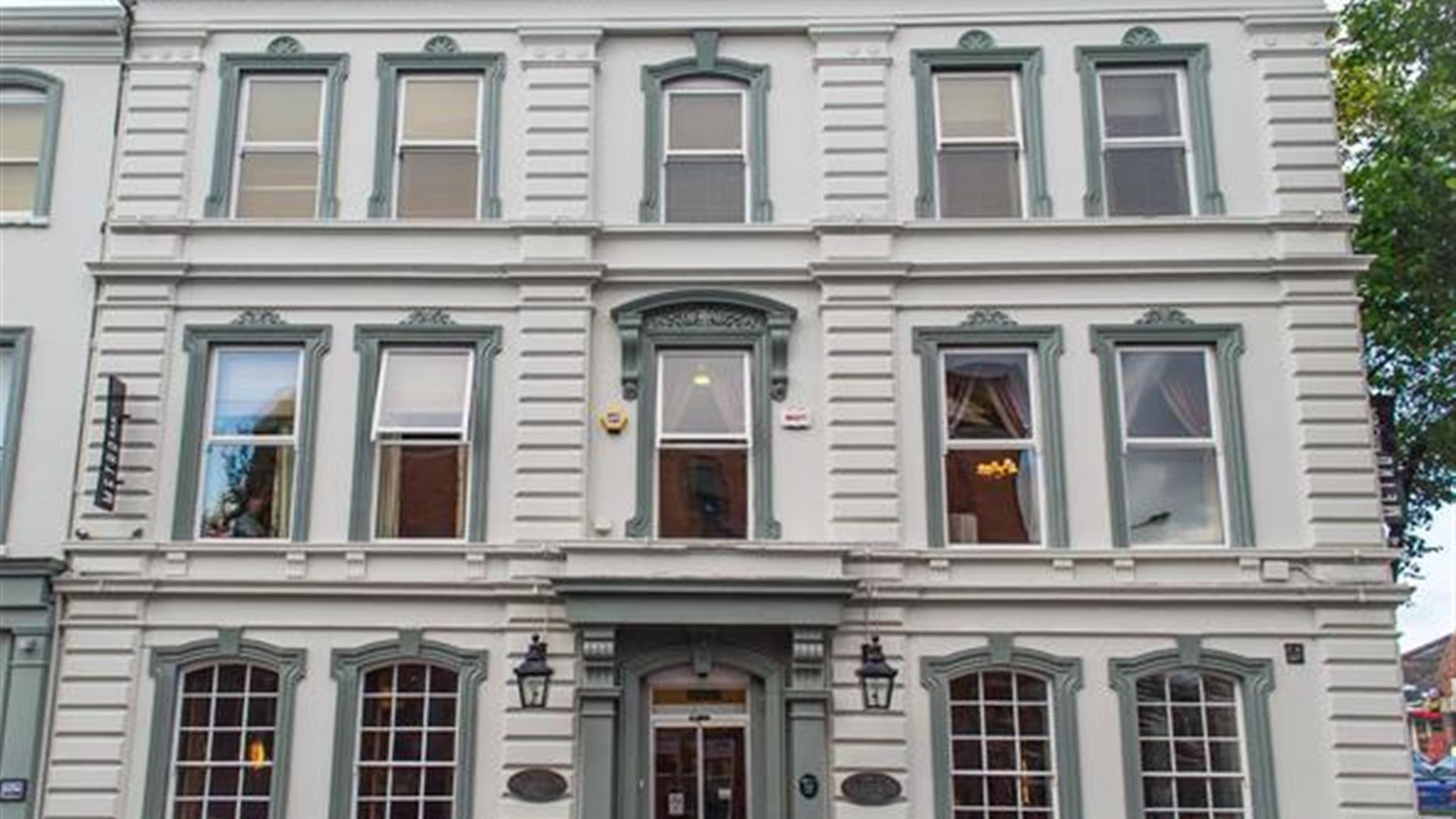 The 1852 Hotel