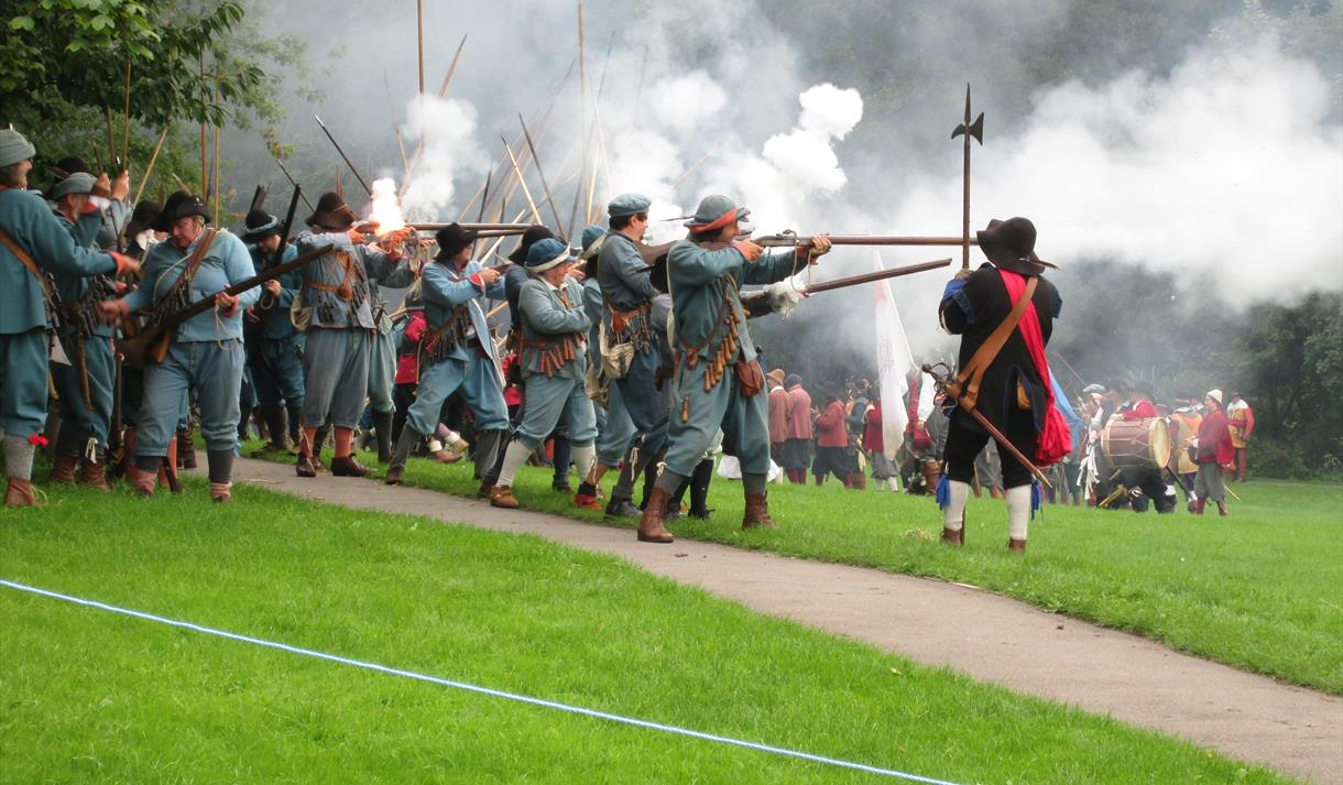 Guided walk on the Siege of Newark with Patrick Mercer, OBE, Classic Battlefield Tours