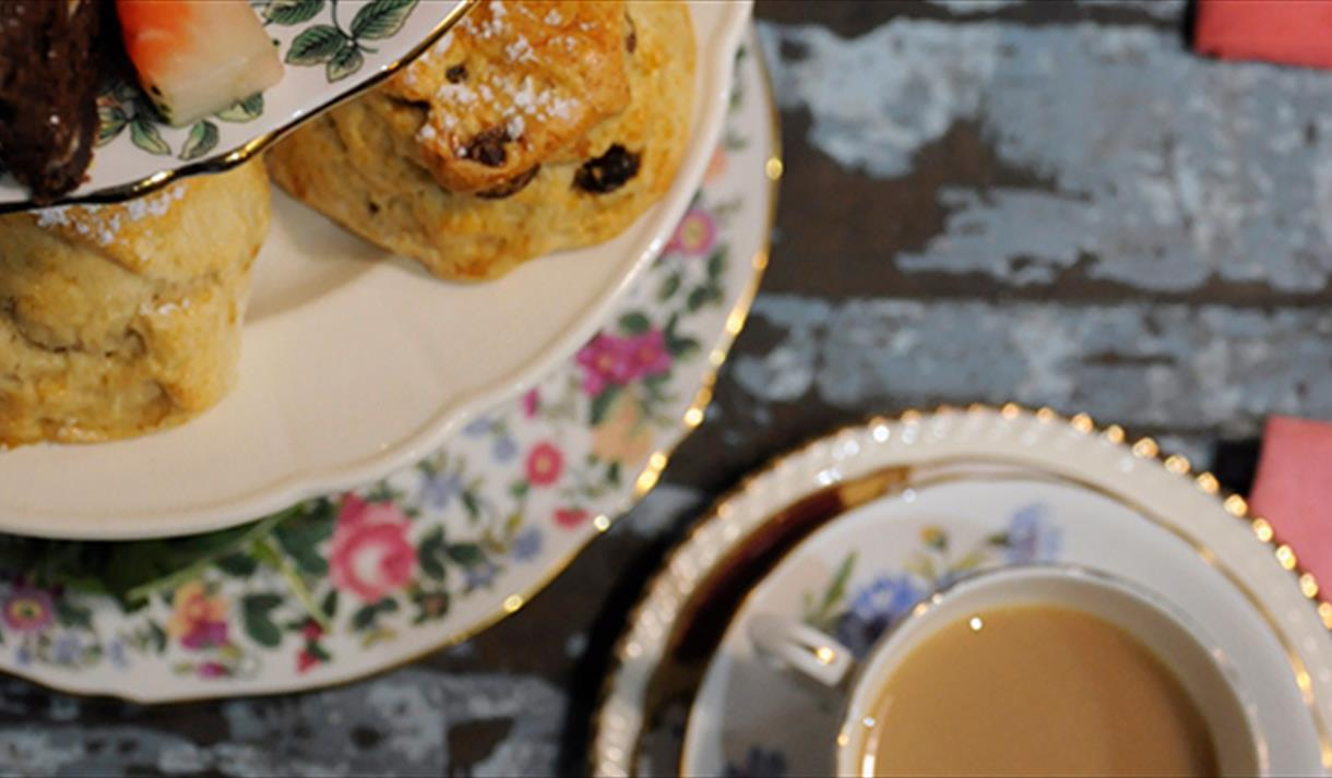 Craft session and afternoon tea at Debbie Bryan | Visit Nottinghamshire