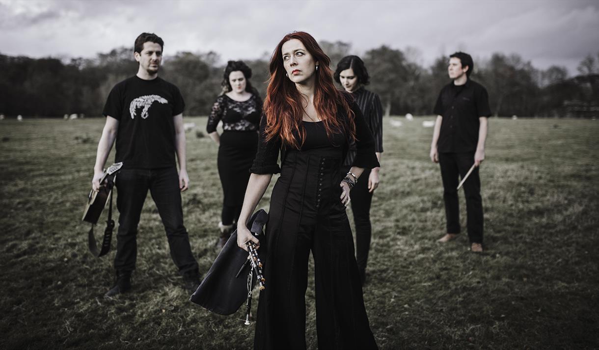 Kathryn Tickell & The Darkening