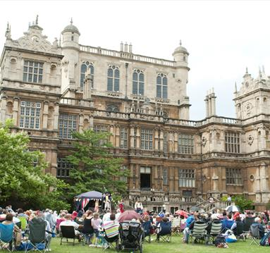 Wollaton Hall Outdoor Theatre | Visit Nottinghamshire