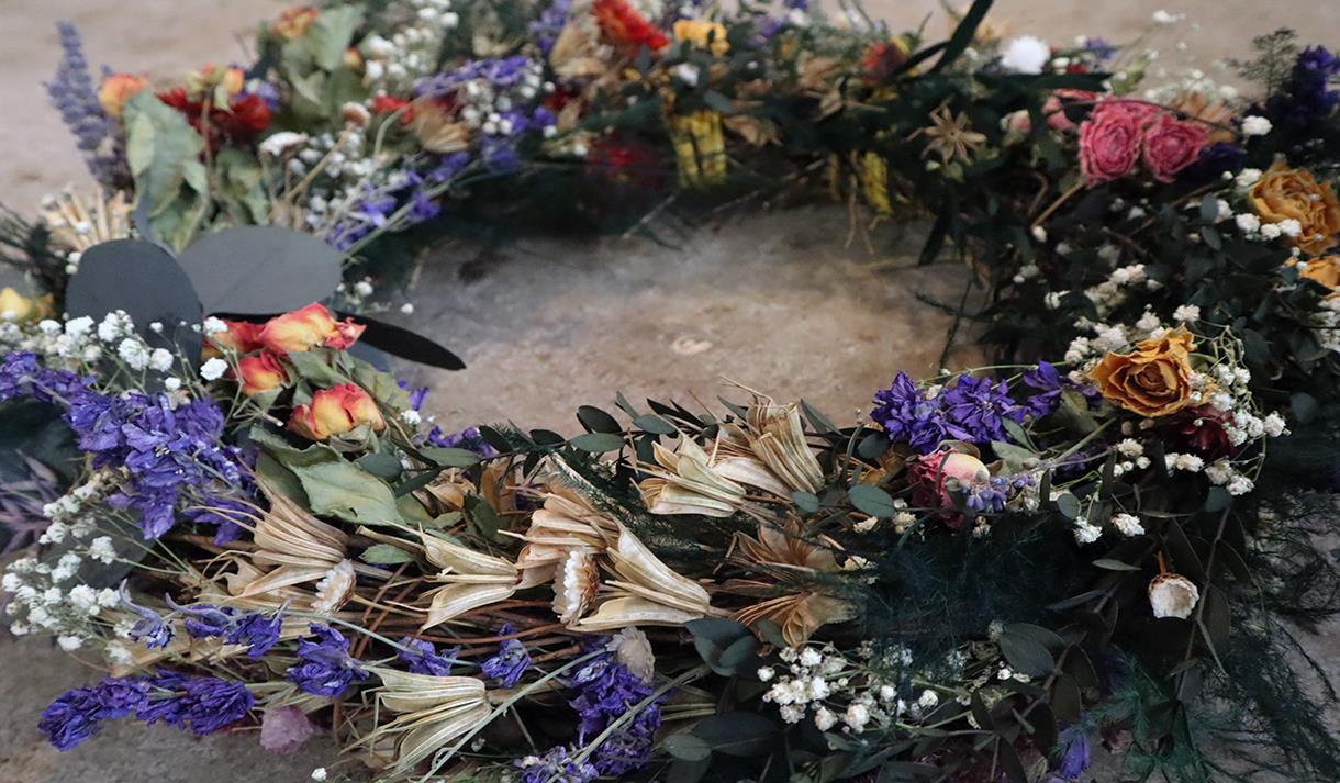 Wreath making : Dried Flowers