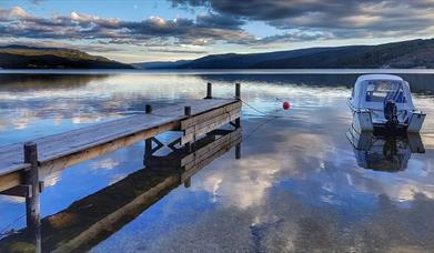 Båt i vakre Storsjøen