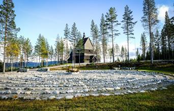 Johanneskirken, Lia gård