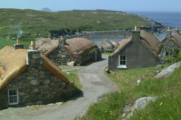 Eat Drink Hebrides - Gearrannan Black House Village