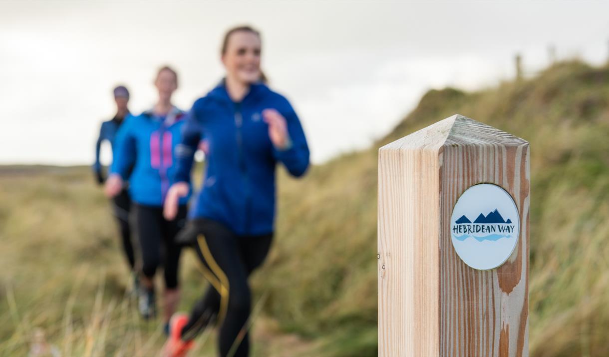 Benbecula: running along Liniclate machair on Hebridean Way