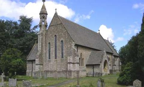 St John The Evangelist Church in Hailey (photo courtesy www.oxfordshirechurches.info)