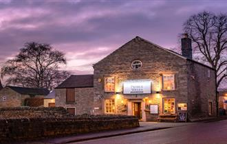 The Prince of Wales is a Village Pub & Restaurant in the Heart of Baslow, in the Peak District, the oldest National Park in the UK.