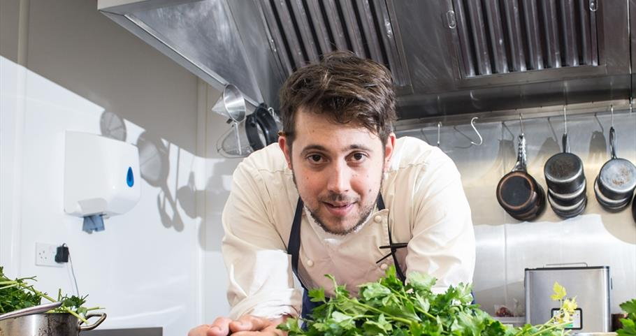 Picture of chef Tom Parker