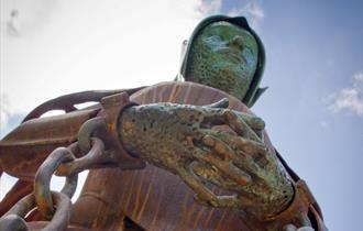 Alice Nutter sculpture