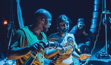 Lamphouse Theatre - Full Kaa and Mowgli
