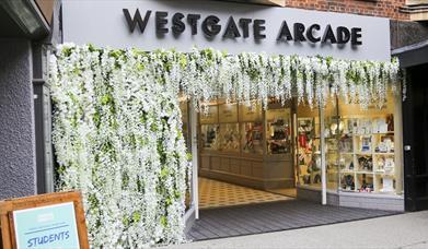 Westgate Arcade - Queensgate Entrance