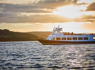 Sundowner cruise on the sound