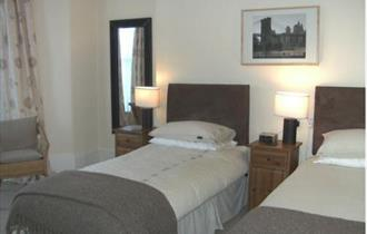 Caraneal Hotel