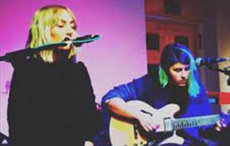 Cosmic Sessions presents Elani Evangelou & Grace Lightman