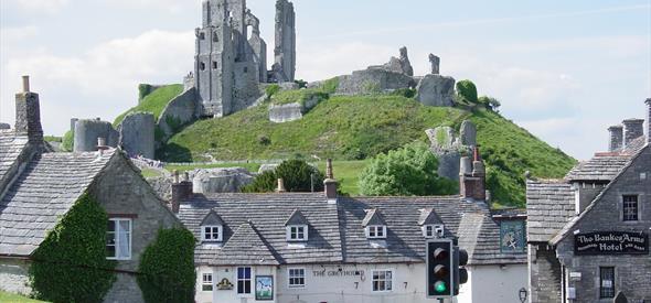 Discover Dorset Tours Corfe Village Bankes Arms Castle