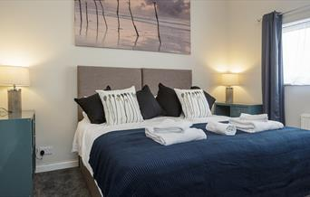 Upper Strand Apartment double bed