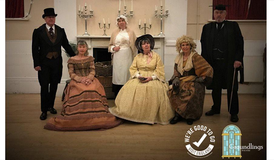 Groundlings theatre actors in period dress