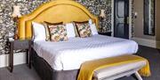 Queens Hotel bedroom
