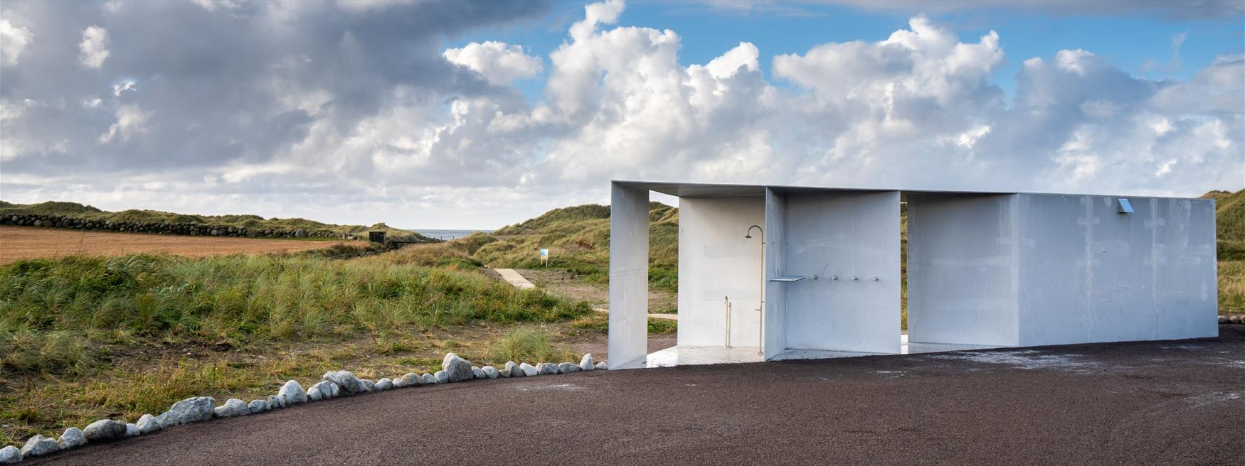 New tourist lavatory in aluminium is finished at Refsnes