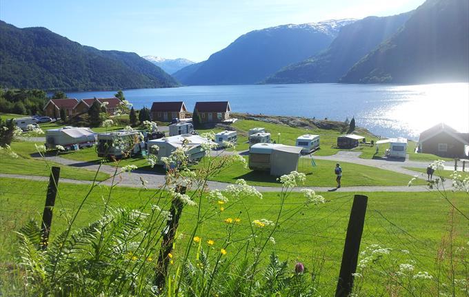Kjørnes Camping & Fjordhytter