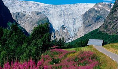 The Bergsetbreen Glacier, Jostedal/ Luster