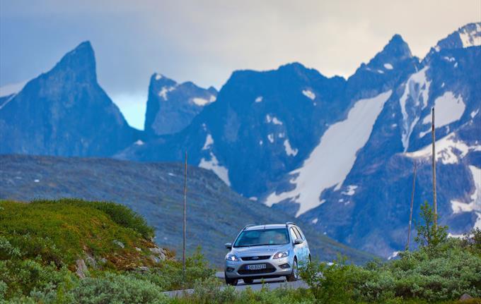 Sogndal Bilutleige - Car Rental in Sogndal