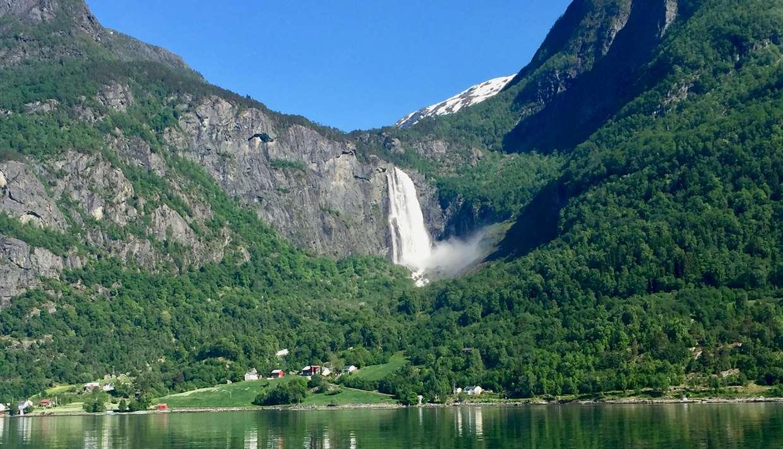 Lustrafjorden Fjordcruise