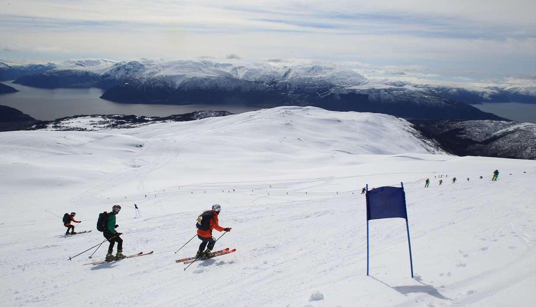 Kjeringi Open -fjell og fjord