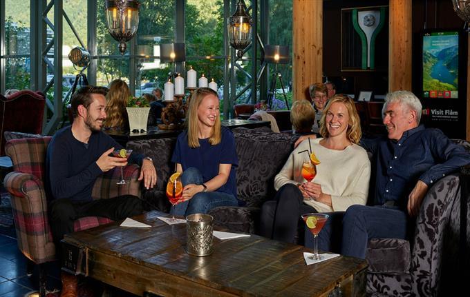 Lobby Bar - Fretheim Hotel