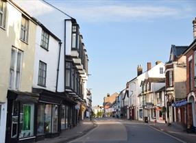 Cullompton street