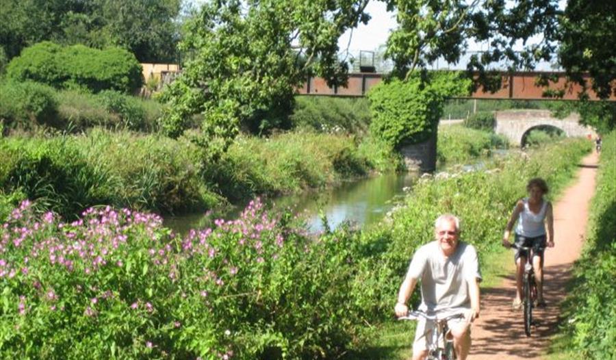 Cycling along Tiverton canal
