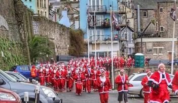 Seaside Santa Run, Brixham, Devon