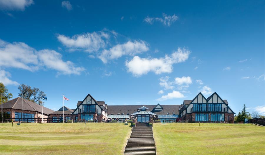 Woodbury Park Hotel & Golf Club exterior