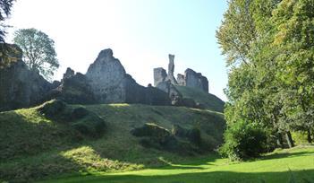 Okehampton Castle, Two Castles Trail