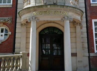 Worthing Museum and Art Gallery