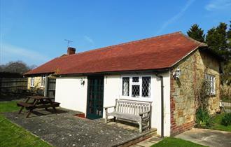 White Lion Farm Cottages