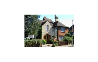 Oriel Lodge Holiday Apartments