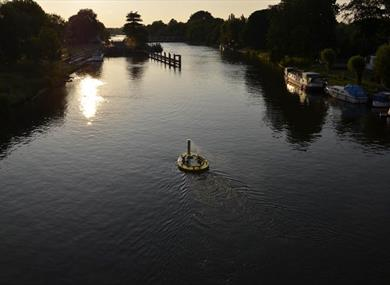River Thames Boat Hire at The Runnymede on Thames