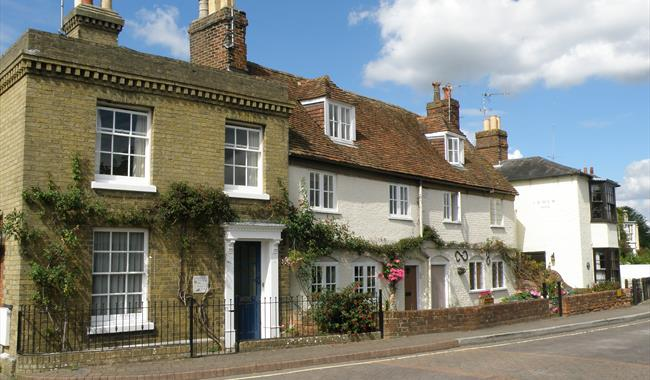 Some pretty Georgian cottages in Hythe.