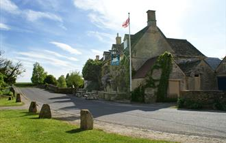 The Swan Inn, Swinbrook